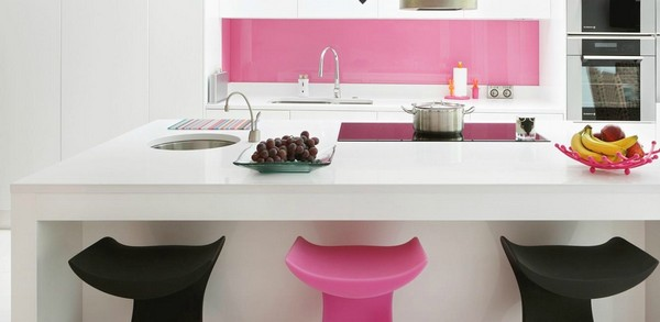 Cute modern white kitchen Pink Splashback