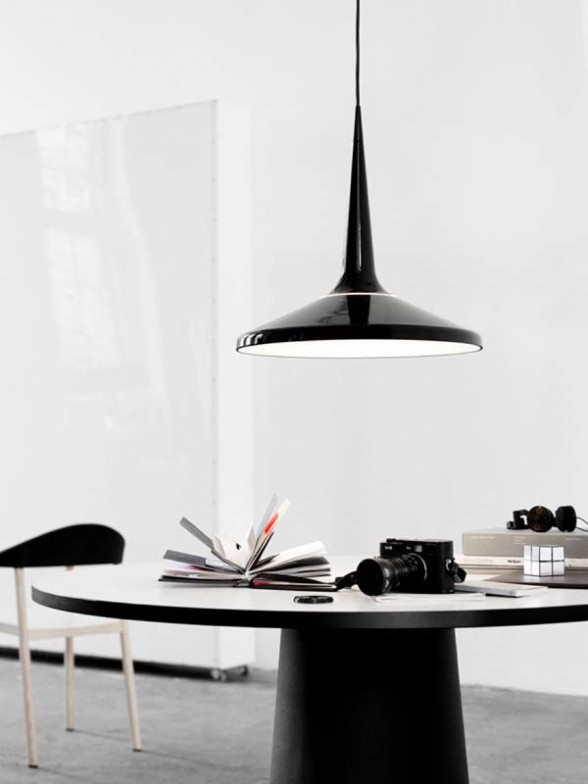 black pendant light dining room