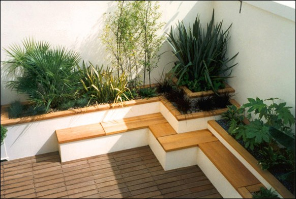 Japanese style roof terrace garden built in concrete planters ...