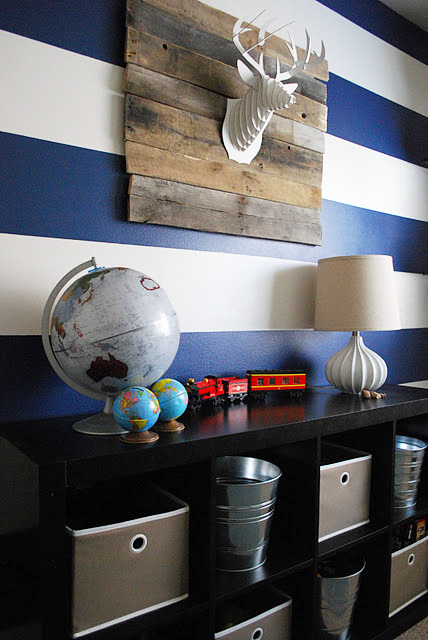 http://www.myhomerocks.com/wp-content/uploads/2012/03/5b-blue-white-eclectic-striped-wall-eclectic-kids-room-childs-bedroom-boys-girls-unisex.jpg