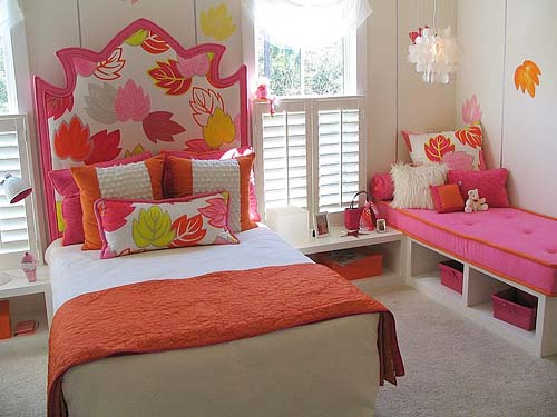 http://www.myhomerocks.com/wp-content/uploads/2012/04/4-white-pink-orange-nature-leaves-theme-girls-room.jpg