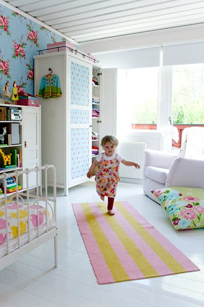 http://www.myhomerocks.com/wp-content/uploads/2012/04/6b-pink-blue-green-swedish-style-kids-girls-room-striped-runner.jpg