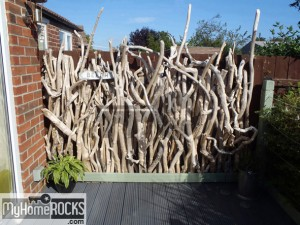 Driftwood feature fence