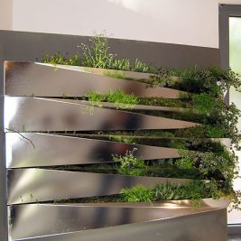 Miroir en Herbe Sectional stainless steel indoor herb garden kitchen salad wall